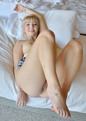 Free Legs Porn Pictures