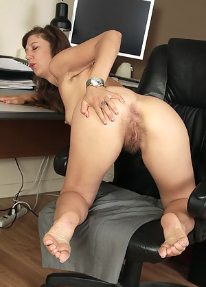 Free Spread Ass Porn Pictures